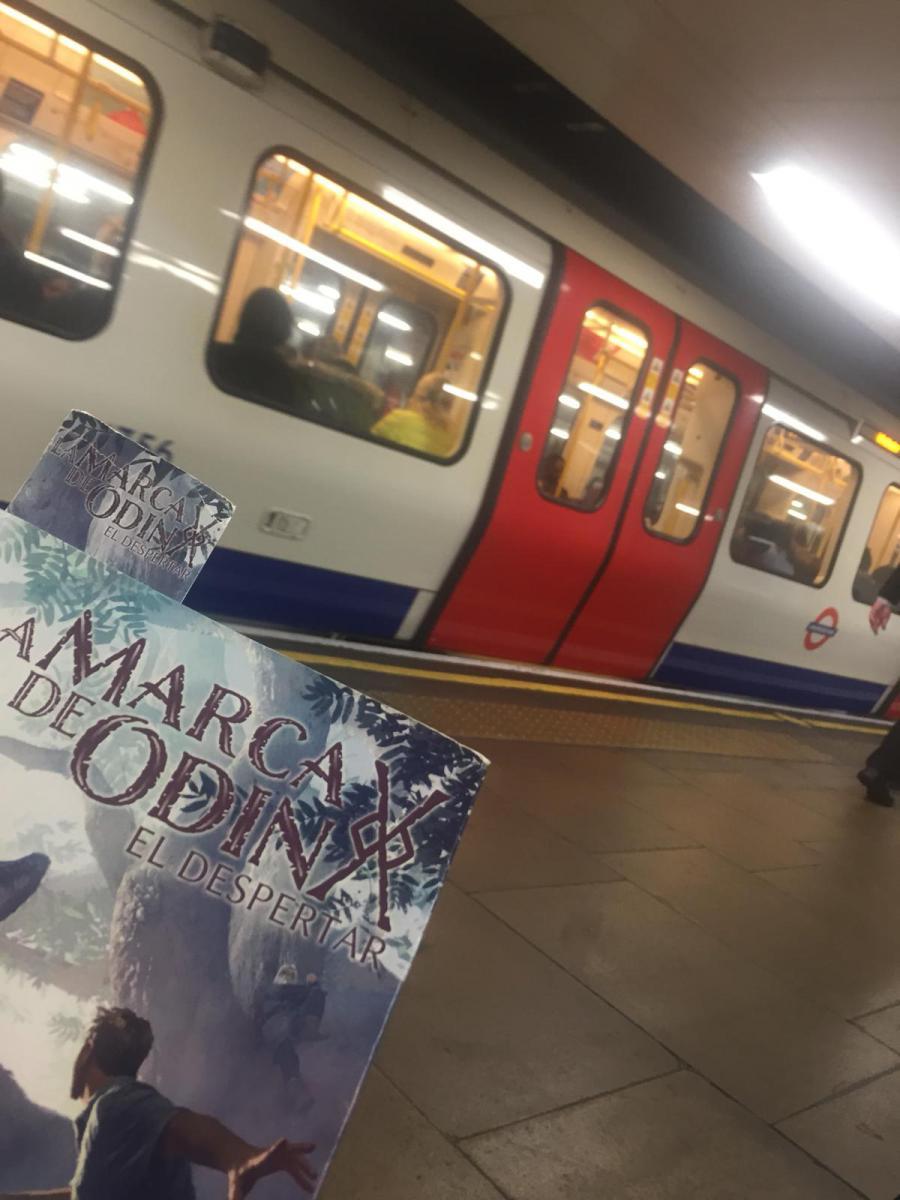 La marca de Odín: El despertar en el metro de Londres